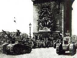 Благодаря своим маневренным танкам Луи Рено заслужил репутацию спасителя Отечества.